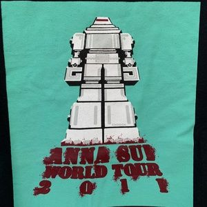 Bundle of Anna Sui graphic tees size M